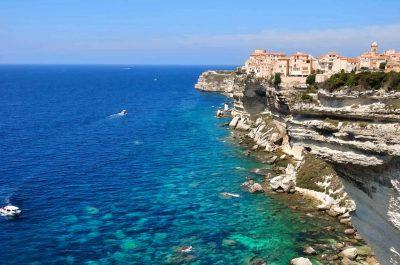 Visiter Bonifacio et ses falaises