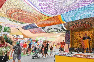 Visite d'un marché hippie