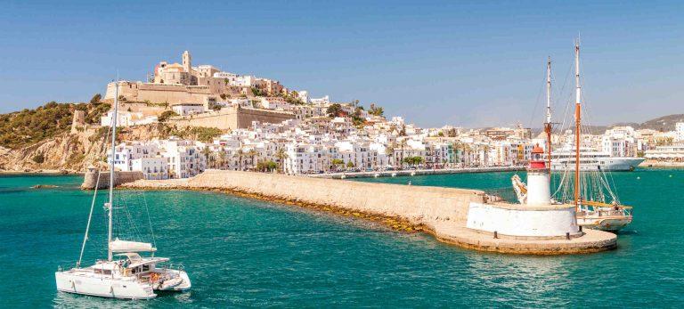 <strong>Le port et la Dalt Villa, la vieille ville d'Eivissa</strong>