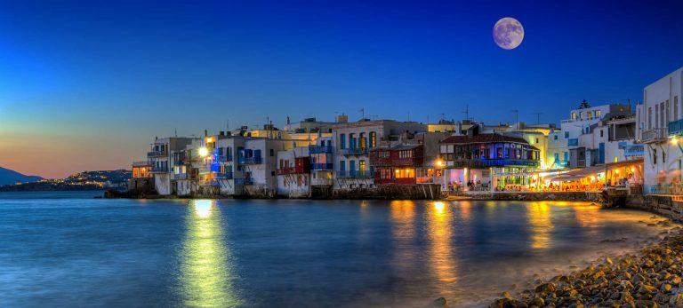 <strong>Début de soirée à la <em>Petite Venise</em> de Mykonos</strong>
