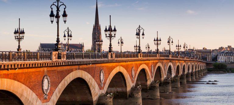 <strong>Le Pont de Pierre</strong>