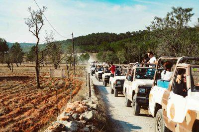 Découverte des trésors d'Ibiza en jeep