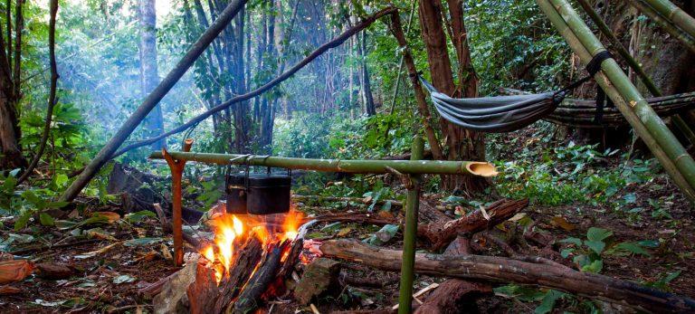 <strong>Soirée et dîner autour du feu de camp</strong>