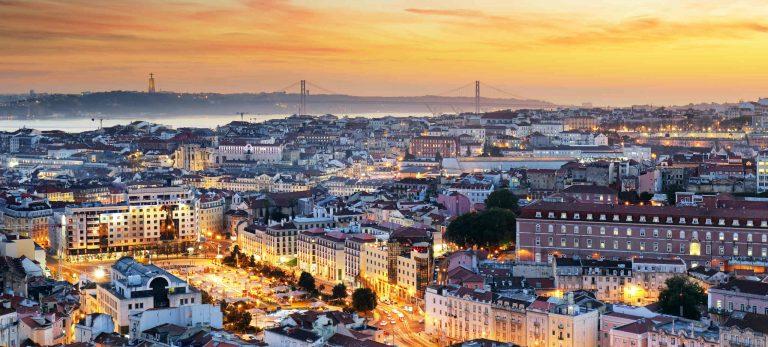 <b>La beauté de Lisbonne au soleil couchant</b>
